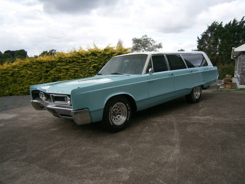 uk ads british classic cars for sale 1967 chrysler town and country. Cars Review. Best American Auto & Cars Review