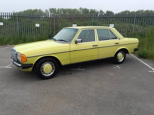 For sale mercedes w123 250 saloon mimosa yellow 1979 for Mercedes benz w123 for sale