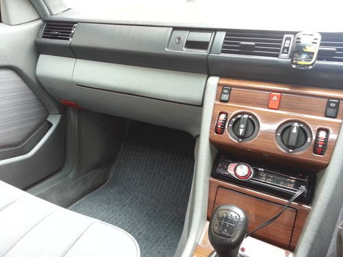 for sale mercedes benz w124 230ce rare manual 1988 classic rh classiccarshq co uk mercedes 300sl manual transmission for sale mercedes sl manual transmission for sale
