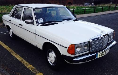 For sale mercedes 200d diesel auto w123 left hand drive for Mercedes benz w123 for sale