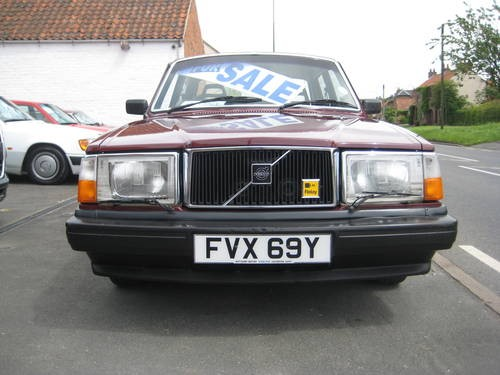 for sale very low mileage volvo 240 dl 1982 classic cars hq. Black Bedroom Furniture Sets. Home Design Ideas