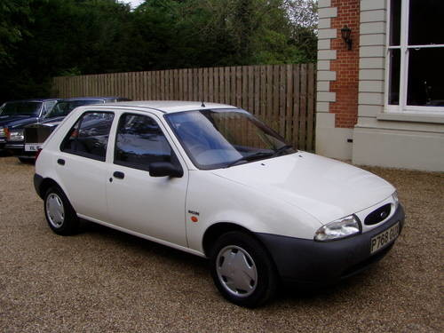 for sale ford fiesta 1 3 encore 5 door 17 000 miles 1 owner 1996 classic cars hq. Black Bedroom Furniture Sets. Home Design Ideas