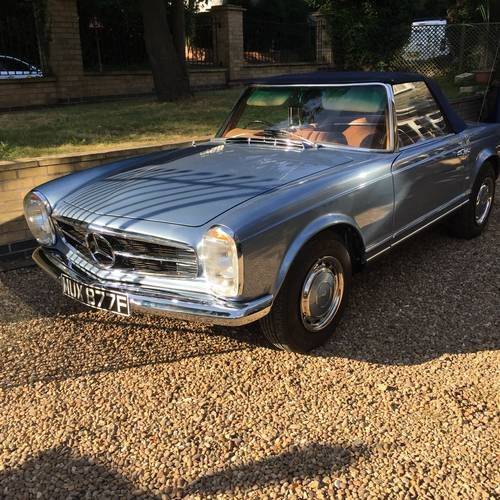 for sale mercedes 280sl pagoda auto right hand drive 1968 classic cars hq. Black Bedroom Furniture Sets. Home Design Ideas