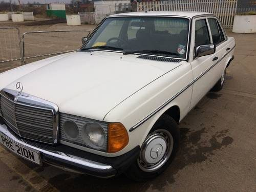 For sale mercedes 200 automatic w123 1981 classic for Mercedes benz w123 for sale