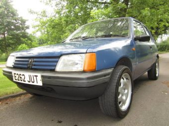 for sale peugeot 205 xe 3 dr retro looks gti alloys solid car 1988 classic cars hq. Black Bedroom Furniture Sets. Home Design Ideas